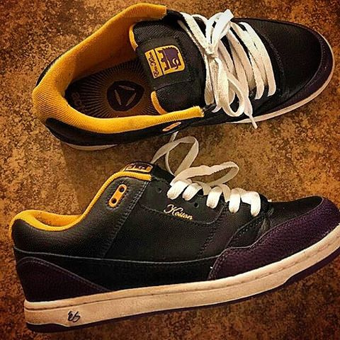 If @don_brown 's recent #esskateboarding #koston 7 post made you down right angry and jealous, shoot @rickyplancich a message for these epic size 10s.  Also note that if you have these or any other laker é Kostons sizes 11-14 hit up @cratjones ?? #sk8shoewars #skateeverydamnday #skateboarding #erickoston #esfootwear #skatelife #thrasher #erickoston #shoeporn #kicksonfire #vintage #throwback #retro #fashion #sneakerheads #igsneakercommunity #nsb #solecollector #rippedlaces