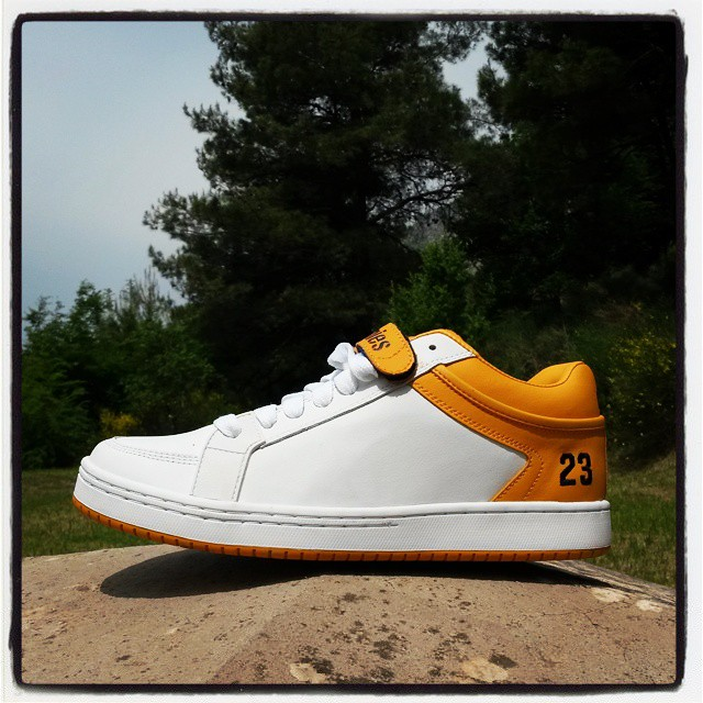 Mid version of legendary SAL 23 called Etnies SAL 23.5 Courtesy of @es_fanatic